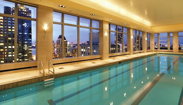 Manhattan new york luxury penthouse with a pool for Penthouse apartments in nyc